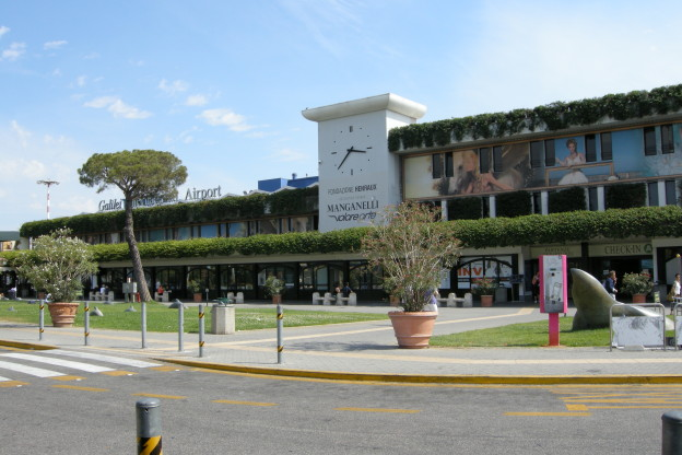 car rental pisa airport